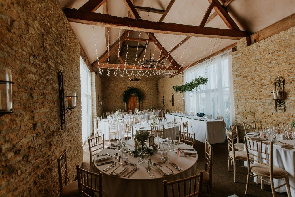 barn wedding breakfast