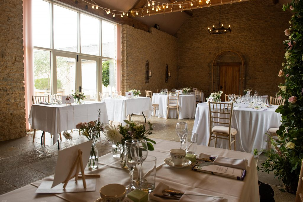 Individual tables for micro wedding