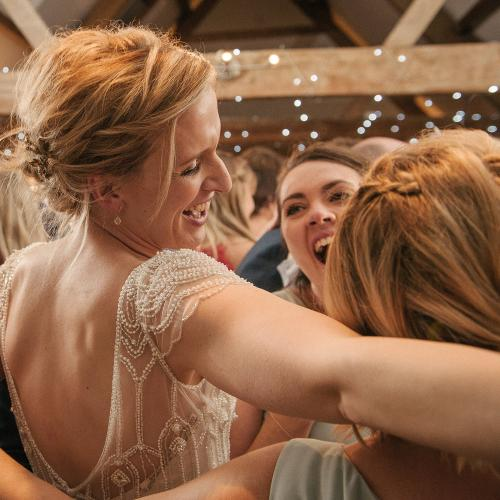 stratton-court-barn-real-weddings-gallery-020